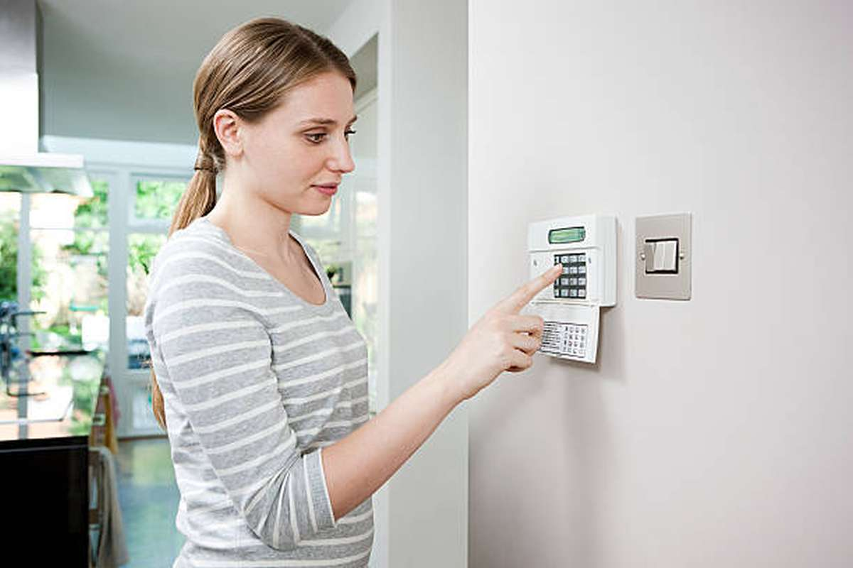 what is the best wireless home alarm system